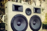 boomcase-vintage-luggage-dual-woofer-epic