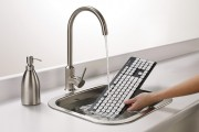 logitech-washable-keyboard-K310-in-sink