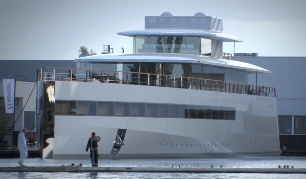 Steve-Jobs-Yacht-Venus-Launches