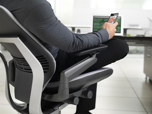 gesture-chair-08-0349