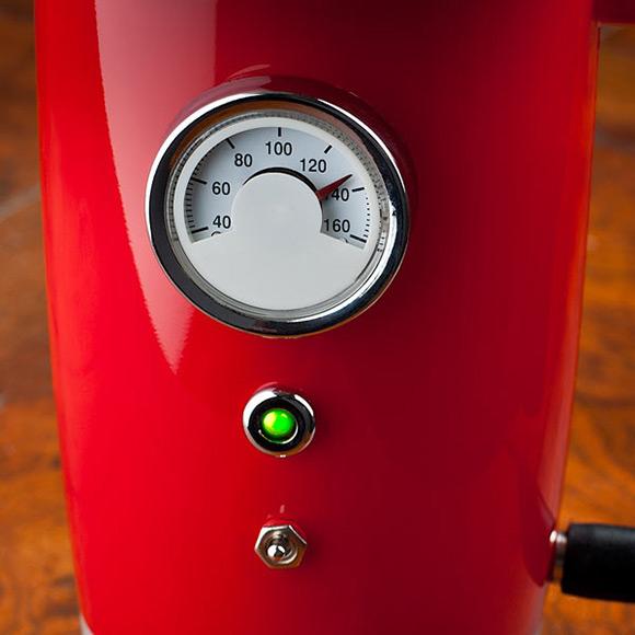 heated-travel-mug-gauge-closeup