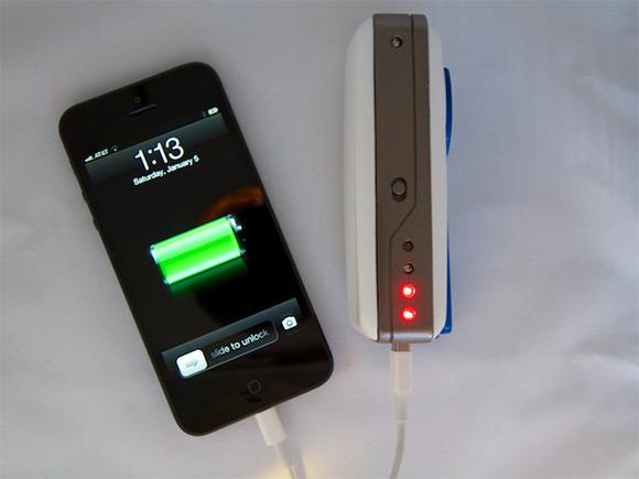 SOSCharger-hand-powered-crank-smartphone-charging