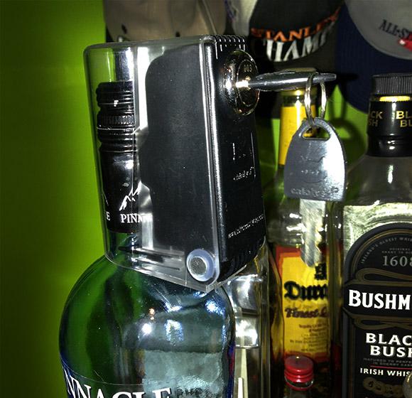 tantalus-liquor-bottle-lock