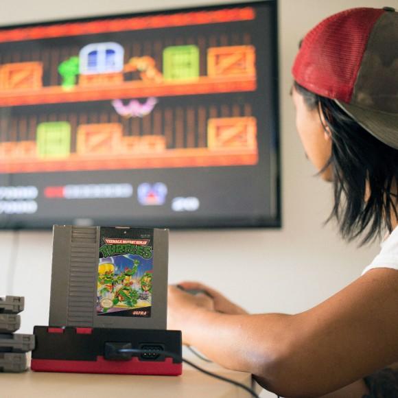 Man-Crates-Super-Retro-Gamer-Console