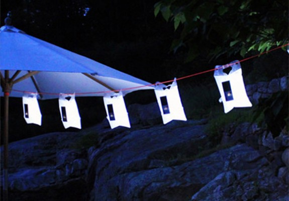 luminAID-on-a-line