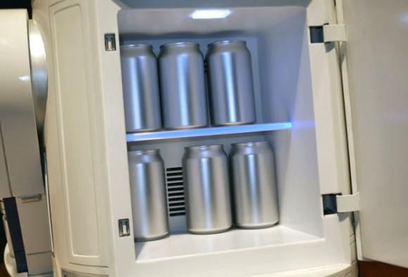 R2D2-fridge-open