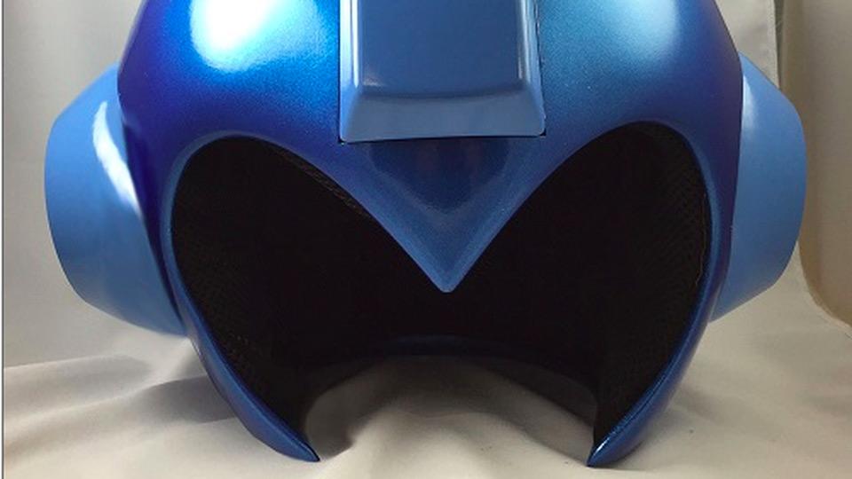 life-size-mega-man-helmet-front
