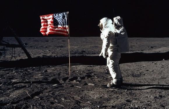moon-flag