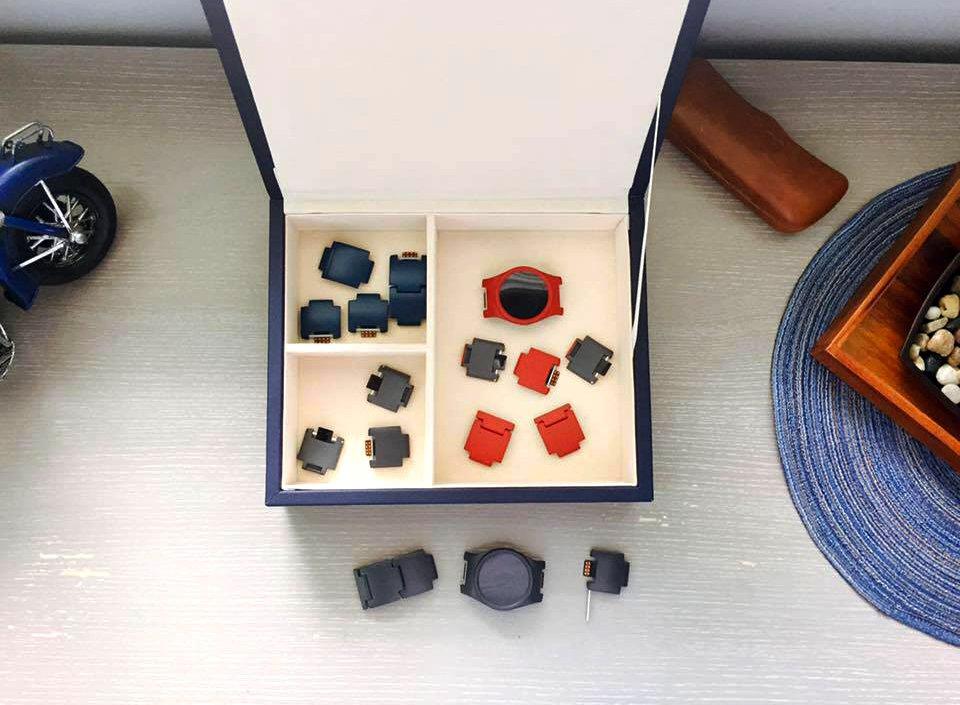 blocks-smartwatch-jewelry-box