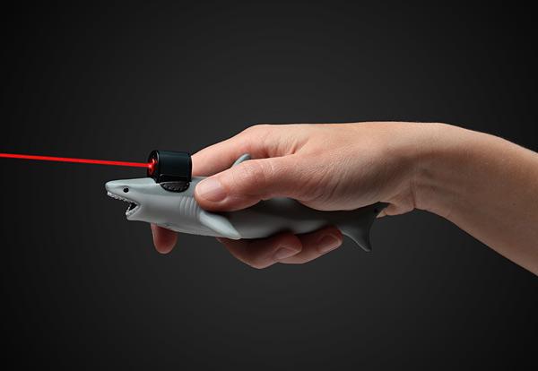 shark-laser-beam-pointer