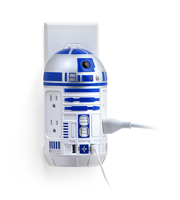 ThinkGeek, Geek Weekly, Star Wars R2-D2 AC / USB Power Station, Black Friday, AC power, USB, R2-D2
