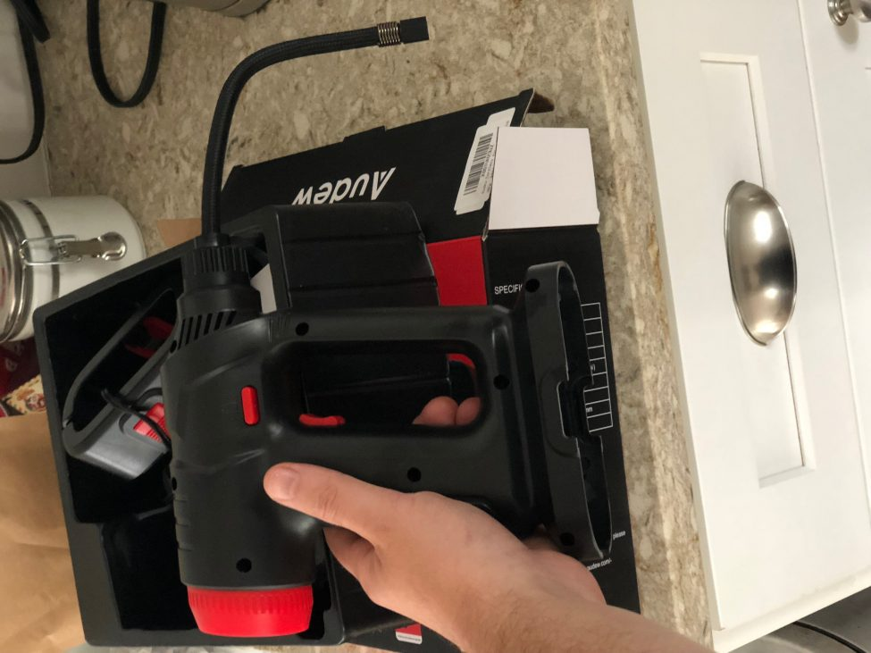 Audew Cordless Hand Held Air Compressor, tool, tools, air compressor, portable air compressor, audew, hands on review, review