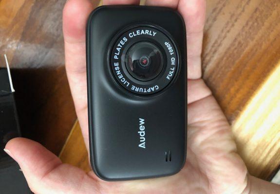 "Hands On Review, gadizmo, Audew 3.7"" LCD HD Car Dashboard Camera DVR, security cam, vehicle, dash cam, audew"